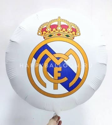 Шар на футбол с логотипом Real Madrid